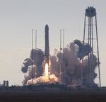 Antares launch of Cygnus on NG-12 mission (J. Foust)