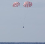 Dragon splashdown on SpX-6 mission (SpaceX)