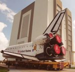 STS-108 shuttle Endeavour moved to VAB (NASA/KSC)